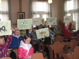 Lapset piirtävät lehmän (6)